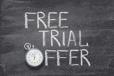 Photo pour free trial offer phrase written on chalkboard with vintage stopwatch used instead of O - image libre de droit