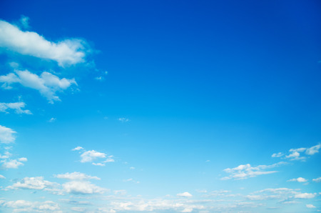 Photo pour white fluffy clouds in the blue sky - image libre de droit