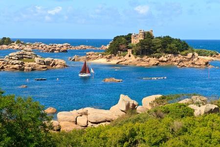 Cote de granite Rose, Brittany Coast near Ploumanach, France