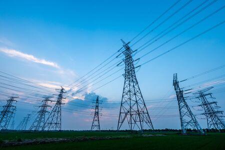 Photo pour High voltage tower with sunset - image libre de droit
