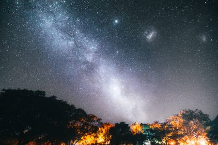 Photo pour The magnificent milkyway in australia - image libre de droit