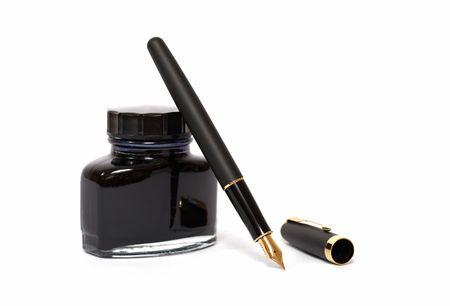 Photo pour fountain pen with ink bottle  - image libre de droit