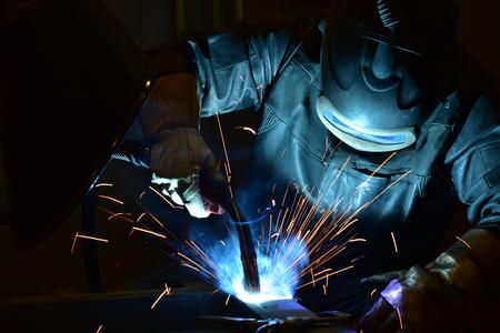Photo pour welder, craftsman, erecting technical steel Industrial steel welder in factory - image libre de droit