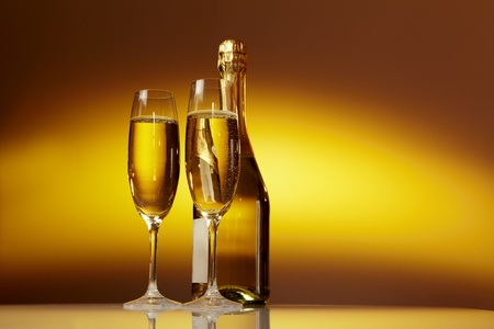 Photo pour Champagne glasses on celebration table  - image libre de droit