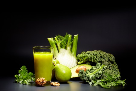 Foto für healthy vegetable juices for refreshment and as an antioxidant . Black background - Lizenzfreies Bild