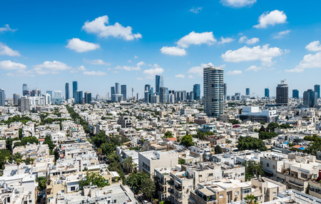 Photo pour Aerial view of Tel Aviv City with modern skylines against the blue sky in the downtown of Tel Aviv, Israel. - image libre de droit