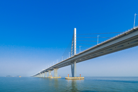 Photo pour bridge over the sea in Zhuhai China - image libre de droit