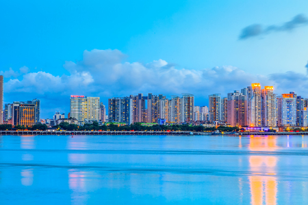 Foto per Night view of the  city of Wenzhou - Immagine Royalty Free