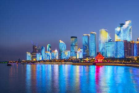 Photo pour Night view of Qingdao - image libre de droit