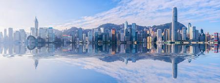 Photo pour Hong Kong city skyline - image libre de droit