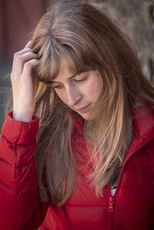 Foto de Beautiful 25 year old girl - close up shot - Imagen libre de derechos