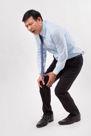 Photo pour Man suffering from knee joint pain - image libre de droit