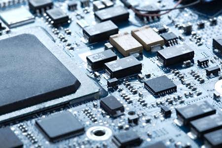 Foto de Circuit board with electronic components - Imagen libre de derechos
