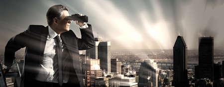 Photo pour Businessman with binoculars. Search concept. - image libre de droit