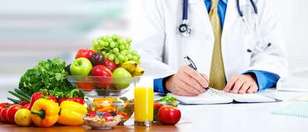 Foto de Nutritionist doctor man - Imagen libre de derechos