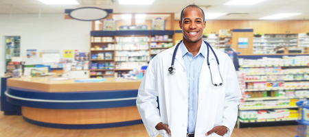 Foto de Medical pharmacist man. - Imagen libre de derechos