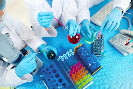 Foto de Group of medical doctors in laboratory. - Imagen libre de derechos