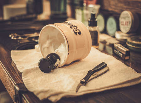 Photo pour Shaving accessories in barber shop - image libre de droit