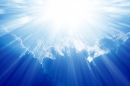 Foto de Peaceful background - beautiful blue sky with bright sun, light from heaven - Imagen libre de derechos