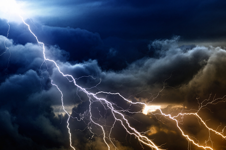 Photo pour Dramatic nature background - bright lightnings in dark stormy sky  - image libre de droit