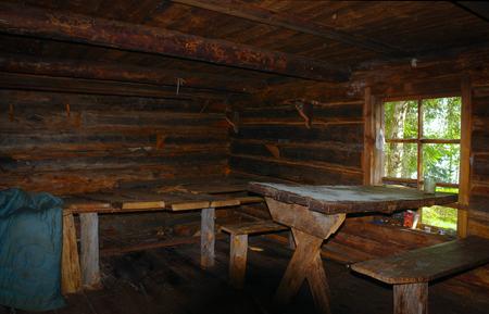 Photo pour Room in wooden old hut - image libre de droit