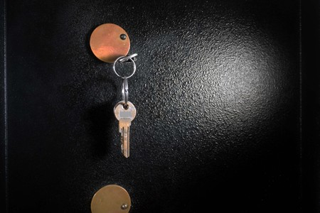 Foto de Detail of Safe with Bunch of Keys - Imagen libre de derechos