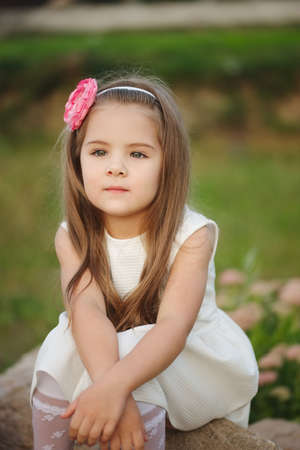 Foto de Young beautiful girl with long hair - Imagen libre de derechos
