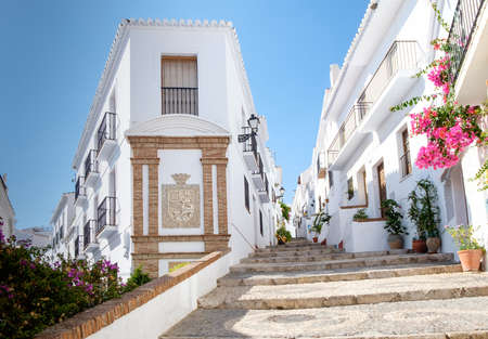 Foto de Frigiliana is a popular day trip for visitors to the seaside resorts of the Costa del Sol in southern spain. It has been voted the prettiest village in Spain several times. - Imagen libre de derechos