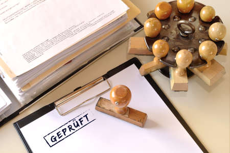 Photo pour Office with testid stamp and folder open - image libre de droit