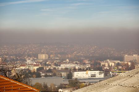 Photo pour Smog and airpoluton air polution, Europe, Serbia, Valjevo city - image libre de droit