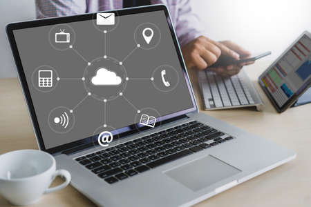 Photo pour Cloud Service (Cloud Computing diagram on the new computer interface) - image libre de droit