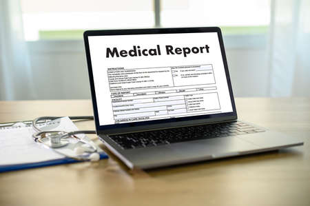 Photo pour Doctor using computer medical record  medical report or medical certificate database of patient's health care - image libre de droit