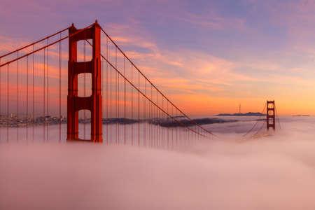 Photo pour The Golden Gate Bridge is a popuar tourist destination in San Francisco California. - image libre de droit