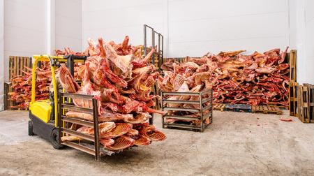 Foto de Stored frozen meat at a meat factory before processing - Imagen libre de derechos