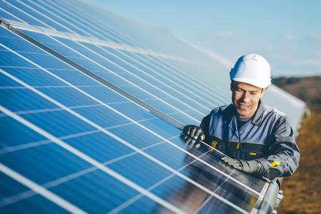 Photo pour solar power station - image libre de droit