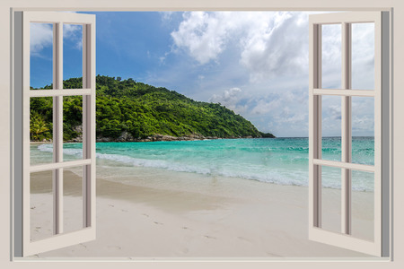 Foto de The open window, with sea views - Imagen libre de derechos