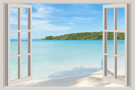 Foto de Summer Travel Vacation and Holiday concept  The open window with sea views in Phuket Thailand. - Imagen libre de derechos