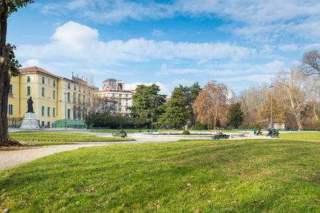 Foto per Milan, Italy.  Indro Montanelli public gardens (or gardens of porta Venezia or via Palestro) in Milan city. Large urban park with the fountain of Palazzo Dugnani - Immagine Royalty Free