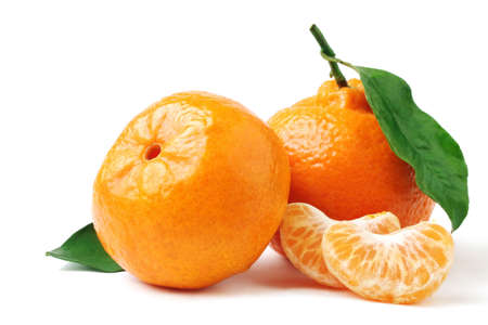 Photo pour Tangerine with leaf. Mandarin isolated on white. - image libre de droit