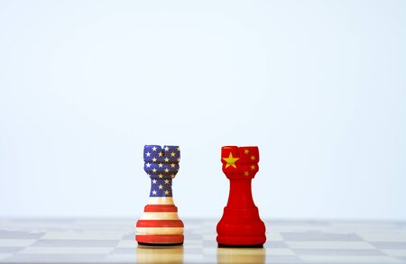 Foto de USA flag and China flag print screen on chess with white background.It is symbol of tariff trade war tax barrier between United States of America and China. - Imagen libre de derechos