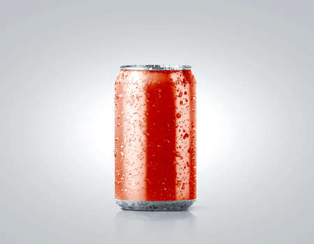 Photo pour Blank red cold aluminium soda can mockup with drops, 330 ml, 3d rendering. Empty fresh fizzy pop packing mock up with condensate, isolated on white. Canned dripping drink template. Cool tin package. - image libre de droit