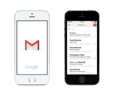 Foto de Varna, Bulgaria - May 26, 2015: Google Gmail app logo and Gmail inbox on the front view white and black Apple iPhones. Gmail is a free e-mail service provided by Google. Isolated on white background. - Imagen libre de derechos