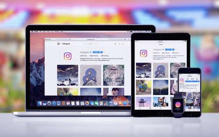 Foto de Instagram on the Apple iPhone 7 iPad Pro Apple Watch and Macbook Pro - Imagen libre de derechos
