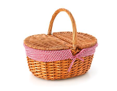 Foto de Picnic basket, isolated on white background - Imagen libre de derechos