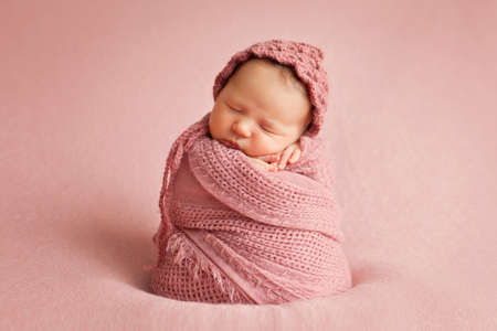 Photo pour picture of a newborn baby - image libre de droit