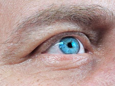 Foto de blue human eye close-up - Imagen libre de derechos