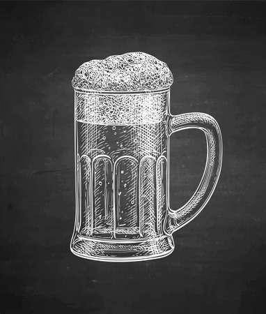 Illustration pour Mug of beer. Chalk sketch on blackboard background. Hand drawn vector illustration. Retro style. - image libre de droit