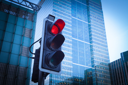 Photo pour Green, Yellow and Red Traffic Light in the London city - image libre de droit