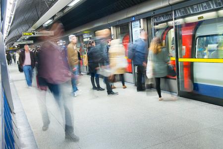 Photo pour Travelers movement in tube train station, London - image libre de droit