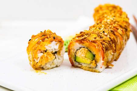 Photo pour New York Crunch Sushi Roll. Selective focus. - image libre de droit